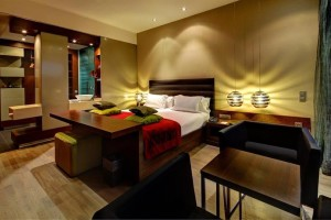 Olivia Plaza Hotel room