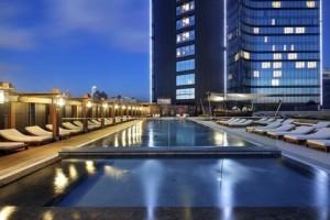 Hilton Istanbul Bomonti Hotel Swimming pool